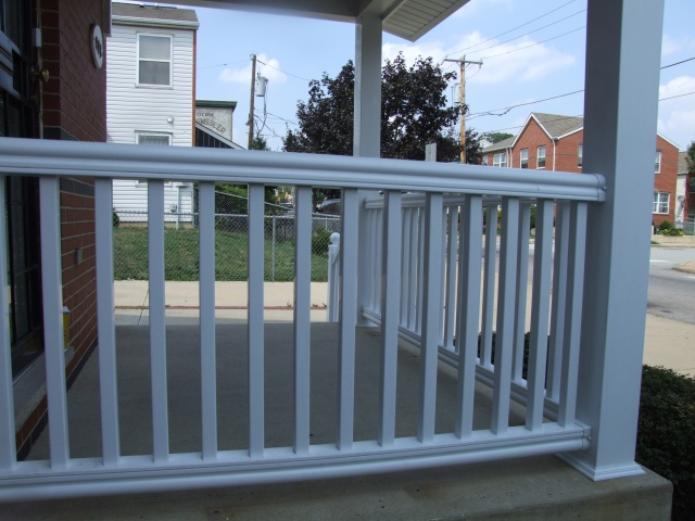 Vinyl Porch Railings (16)